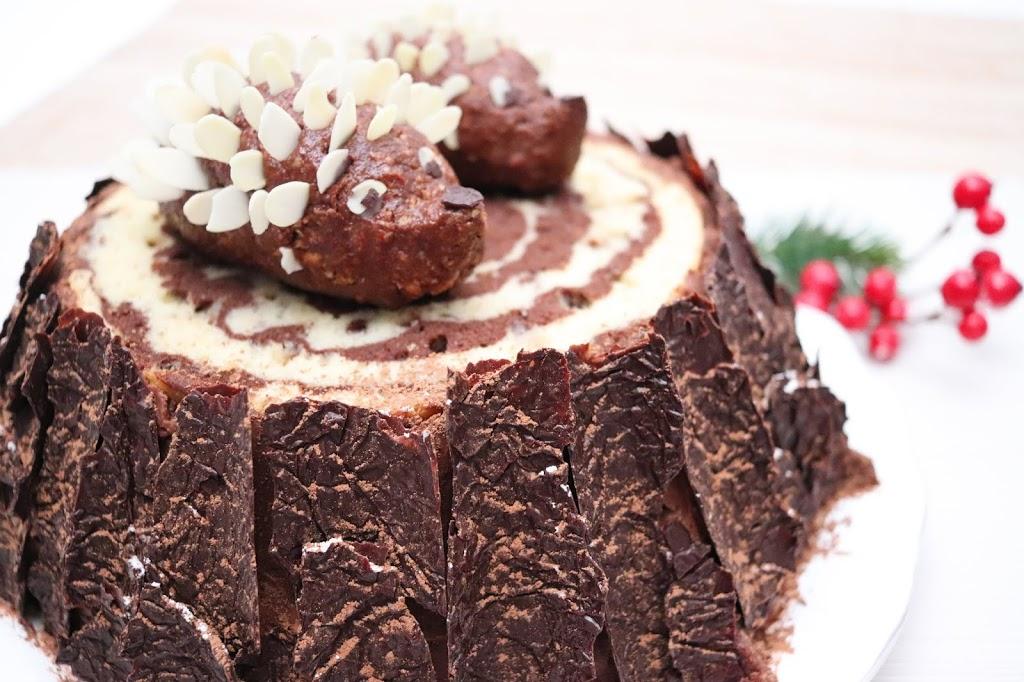 """Pastel de Chocolate """"Tronco con Erizos"""" de Cerca"""
