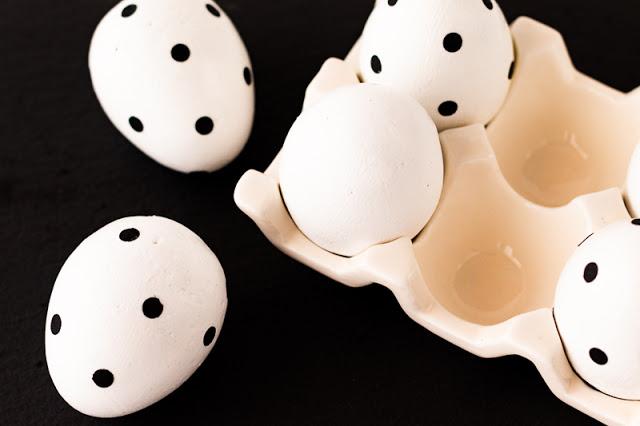 Huevos de Pascua de Cemento