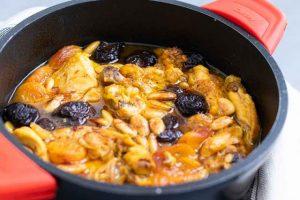 Receta de Pollo al Horno con Ciruelas, Orejones y Almendras