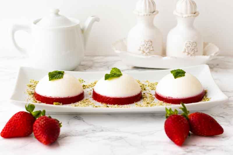 Receta de Pana Cotta con Fresas y Yogur