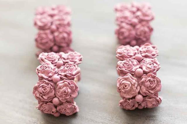 servilleteros con flores de porcelana finalizados