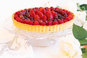 Tarta con Crema Pastelera y Frutas