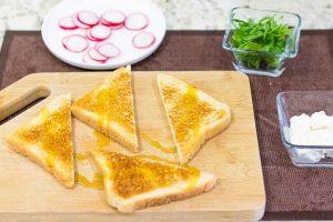 tostadas ricotta rucula poner aceite