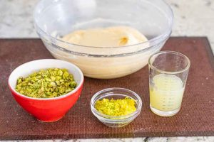 agregar pistachos y limon para bocaditos