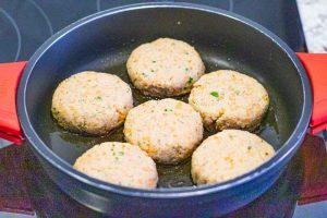 formar hamburguesas de soja