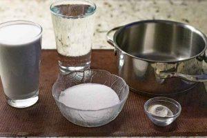 mezclar leche de coco para pina colada