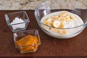 mousse de yogur cortar platano