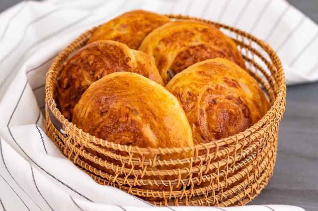 panecillos caseros de queso y cebolla