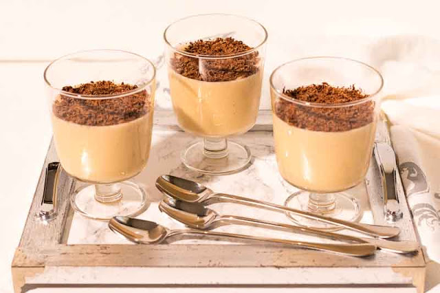 postre yogur con platano y dulce de leche