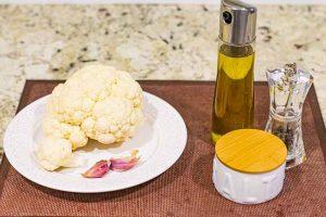 preparar ingredientes para tortilla de coliflor