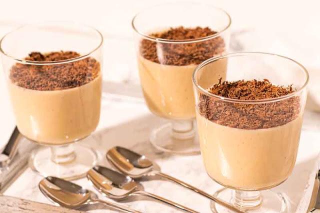 receta de mousse de yogur con platano y dulce de leche