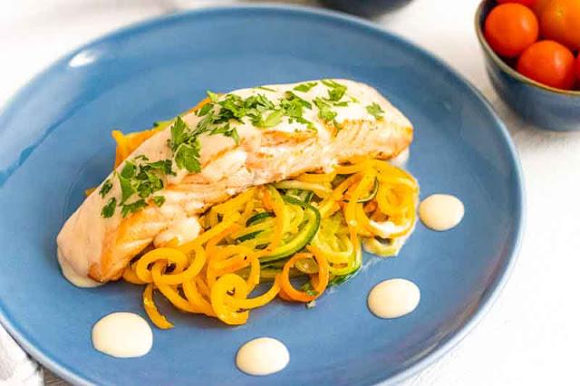 salmon con salsa de vino blanco preparado