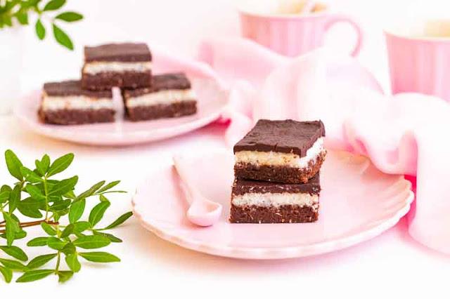 brownie con relleno de coco