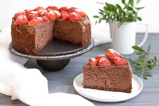 cheesecake de chocolate negro con ricotta preparado