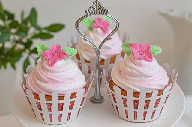 cupcakes de limon y frambuesa preparados