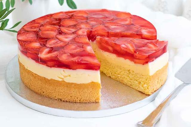 receta de pastel con crema pastelera y fresas