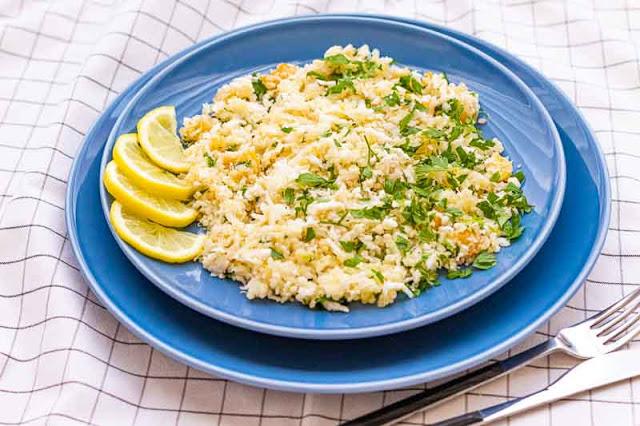 tabule con quinoa y coliflor