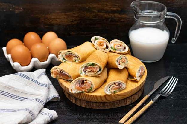 crepes rellenos de salmon y queso preparados