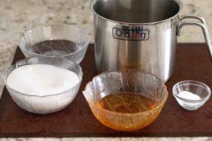 mini marshmallows poner azucar en bol