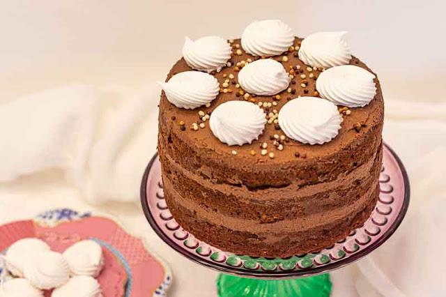 pastel con calabacin nueces y arandanos preparado