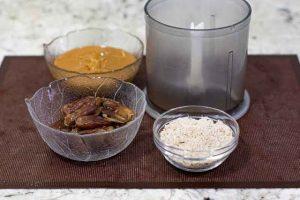 procesar ingredientes para trufas con datiles y cerezas