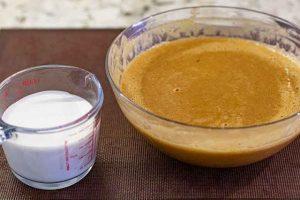 agregar nata a relleno de tartaletas de calabaza
