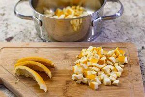 cascaras de naranja confitadas lavar fruta