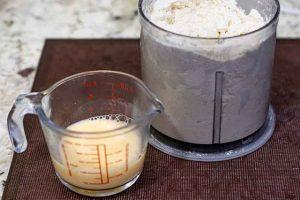 conos de hojaldre con merengue juntar mezclas