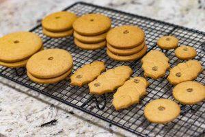 galletas de miel y jengibre sacadas del horno