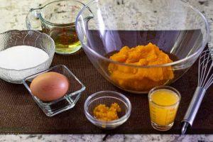 bizcocho de calabaza con crema mezclar ingredientes