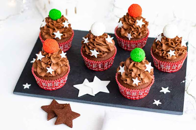 cupcakes de chocolate con relleno de naranja