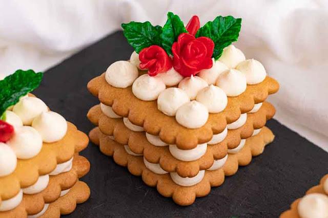 receta de pastelitos con masa de miel y crema de yogur