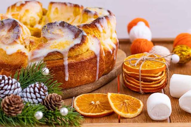cinnamon rolls con naranja y crema preparados