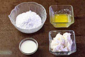 cinnamon rolls mezclar ingredientes para crema