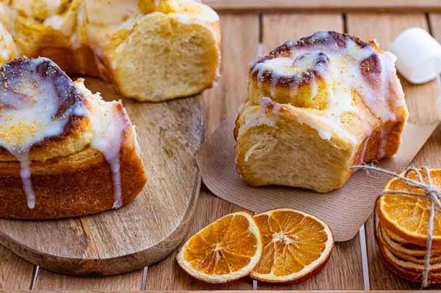 receta de cinnamon rolls con naranja