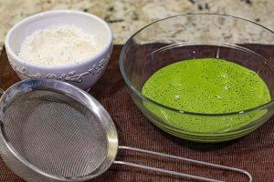 agregar harina al pure para masa de pastelitos salados