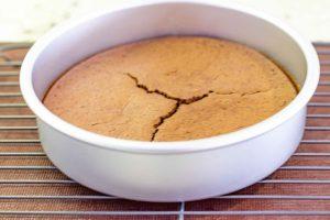 enfriar bizcocho para pastel con mousse