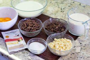 preparar ingredientes para mousse de chocolate