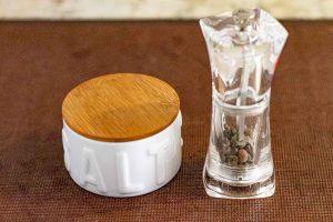 agregar sal y pimienta a crema de champinones