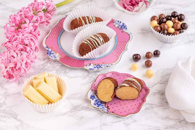 dulces con bizcocho genoves y crema charlotte