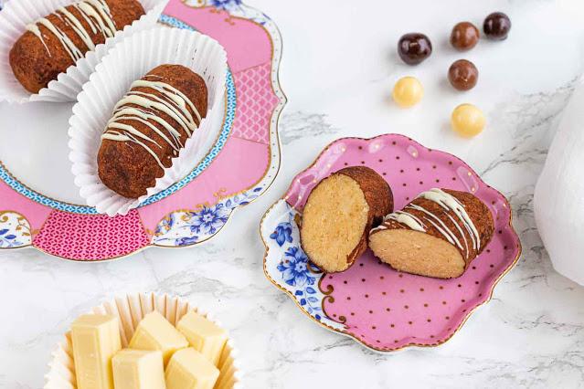 receta de dulces con bizcocho genoves y crema charlotte