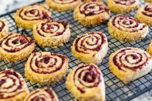 enfriar galletas caracola con arandanos y especias