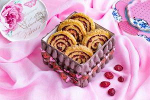 galletas en forma de caracola con arandanos y especias