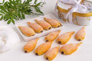 galletas rellenas de nueces en forma de pera