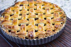 hornear tarta de cerezas