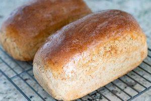 pincelar panes con mantequilla
