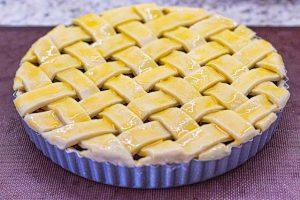 pincelar tarta de cerezas con yema