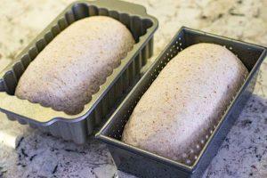 precalentar horno y poner el pan casero